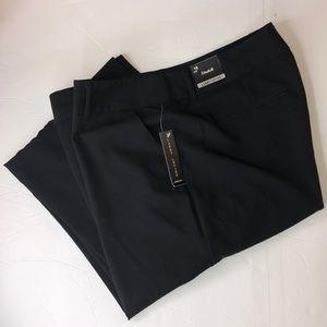 Woman's Larry Levine stretch pants size 16